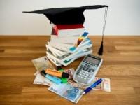 Studenten lenen extra tegen lage rente voor vakantie en om spaarrekening te spekken