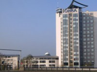 Het OHRA kantoor, ontworpen door ADP architecten, duidelijk te zien vanaf de wegen in en rondom Arnhem